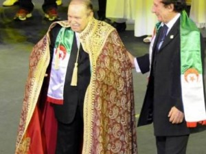 Le Président Bouteflika lors de la célébration du cinquantième anniversaire de l'indépendance de l'Algérie le 05 juillet 2012