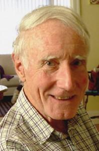 Le poète et professeur américain Peter scott  dale